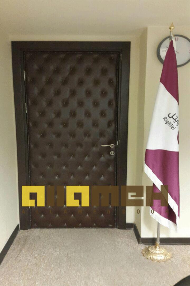 درب چرمی دفاتر , درب لمسه, درب کنفرانسی,قابلیت عایق صدا و حرارت,انواع درب های چرمی و کنفرانسی