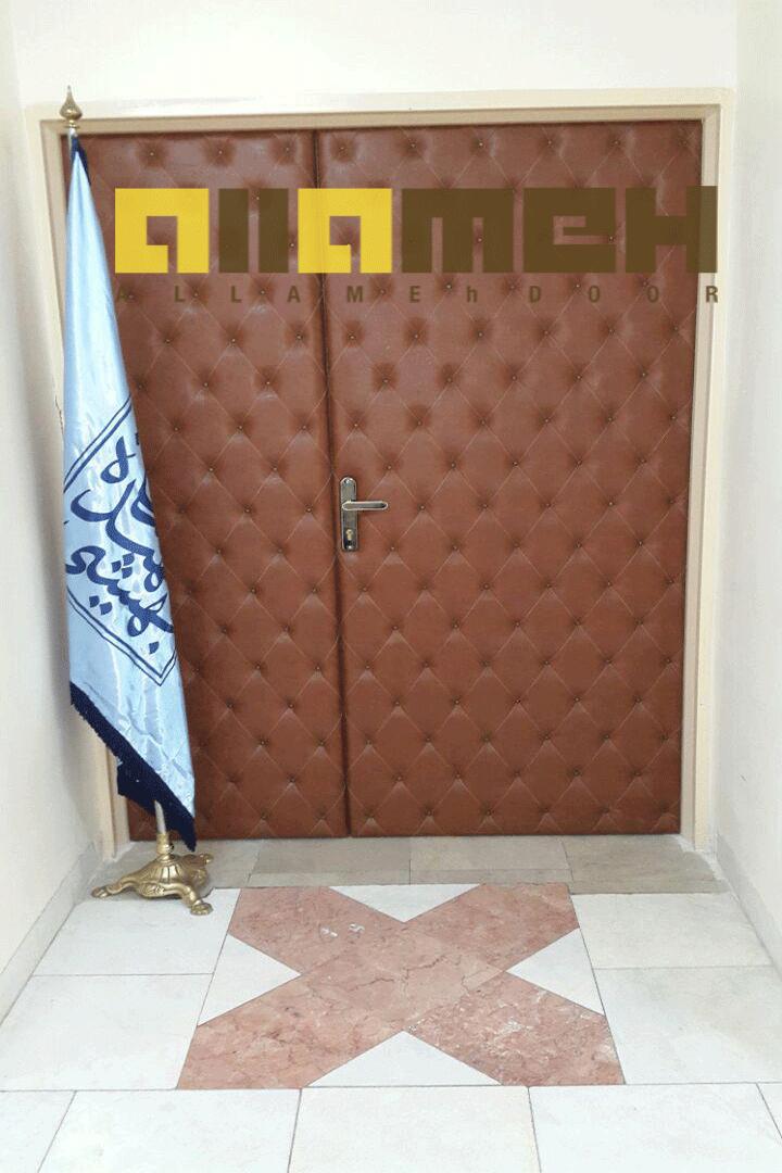 درب چرمی اتاق کنفرانس
