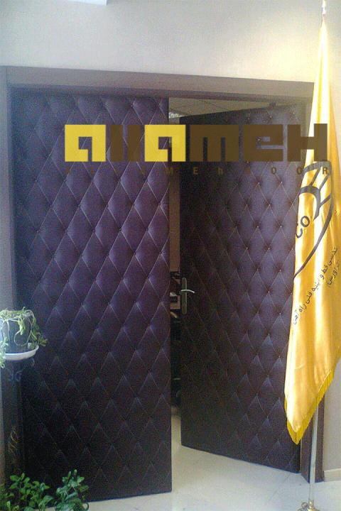 درب چرمی, درب لمسه, درب کنفرانسی,قابلیت عایق صدا و حرارت,انواع درب های چرمی و کنفرانسی